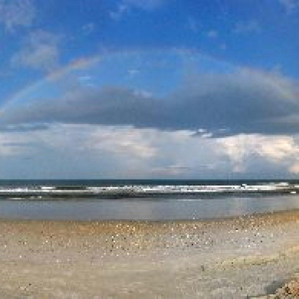 beach-rainbow-scene